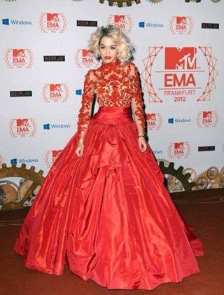 Rita Ora o cómo destronar a Alexa Chung