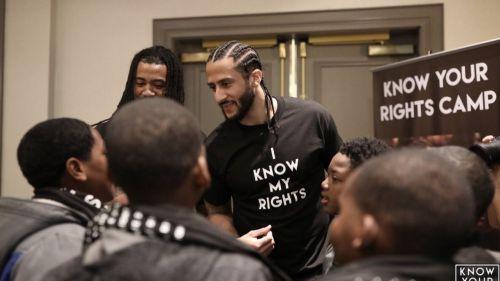 Netflix producirá una serie basada en la vida del atleta y activista Colin Kaepernick