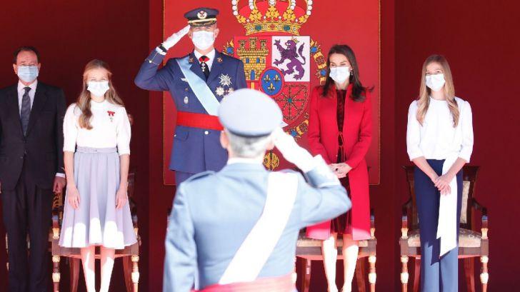 Los Reyes presiden en el Palacio Real la celebración del Día de la Fiesta Nacional