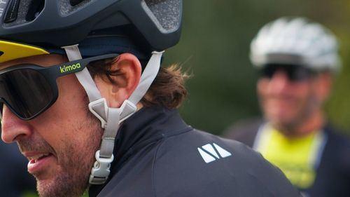 Fernando Alonso se recupera de un aparatoso accidente en bicicleta