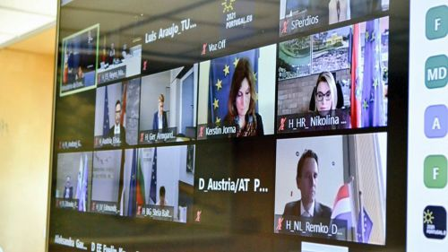 España urge a la UE a implementar el certificado digital