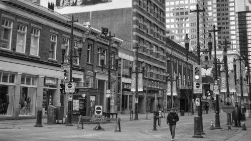Calle cerrada a causa de la pandemia