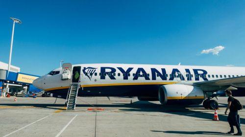 Clientes de Ryanair reciben tarjetas de embarque falsas de 'Kiwi'