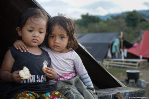 Indonesia, un mes después de la catástrofe